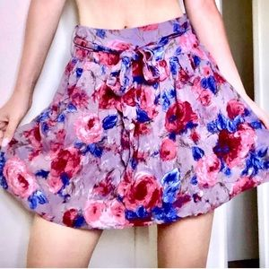 ❤️Forever21 Floral skirt with pockets